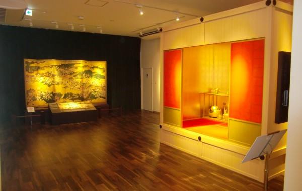 大坂の陣400年天下一祭 侍ミュージアム「黄金の茶室」