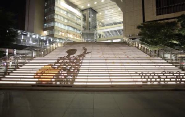 グランフロント大阪 うめきた広場 大階段 夏 装飾